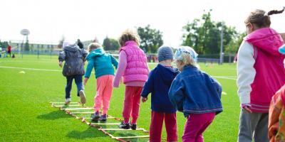 Laat kinderen op school meer bewegen